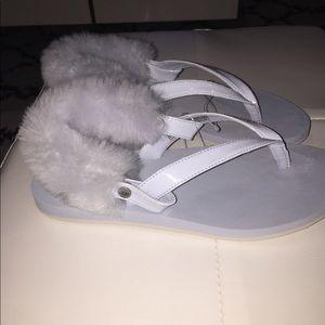 Ugg Laalaa real fur size 7 women's flip flops